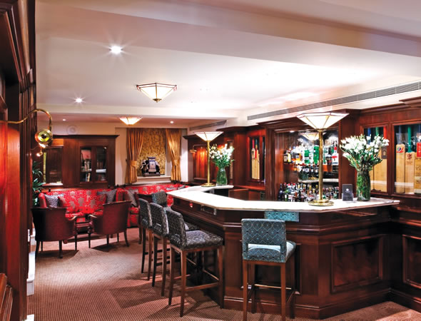 /media/11521/2-lords-lounge-bar.jpg