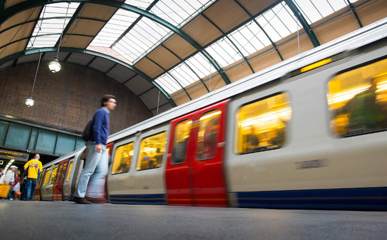 10 Tips for Using the Tube Like a Londoner